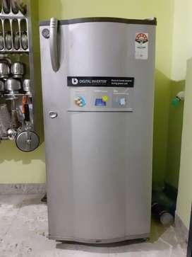 Lg fridge Tv center only 5000 negotiable