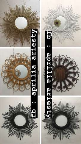 Cermin hias dari rotan