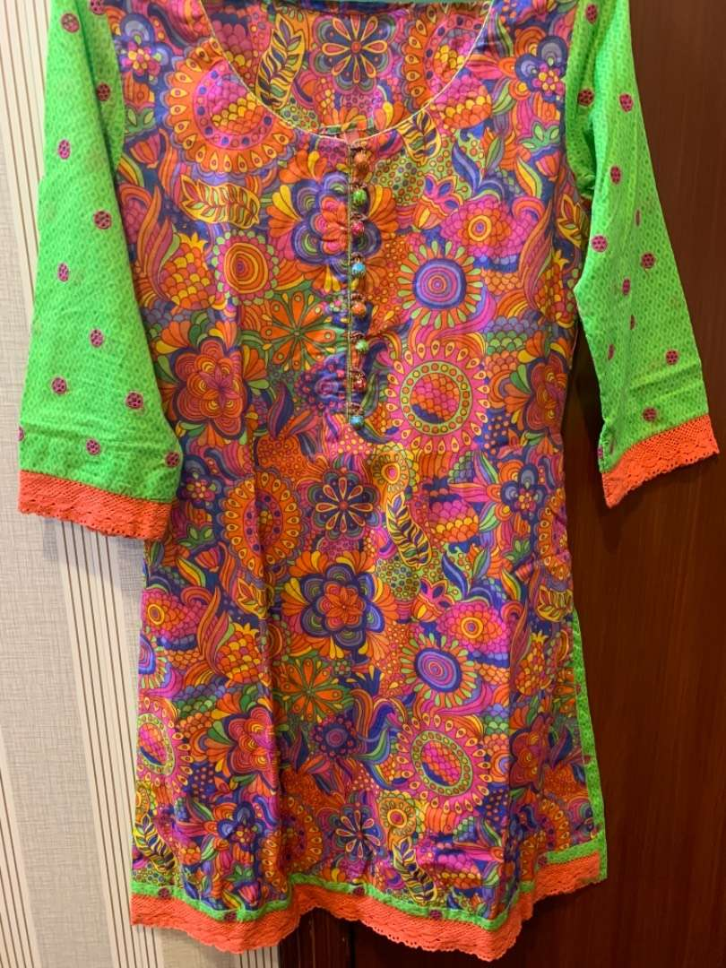Bareeze stitched shirt in lawn available. Size is small 0