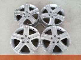Velg Bekas Mobil Suzuki Vitara Ring 17 PCD:5x114,3