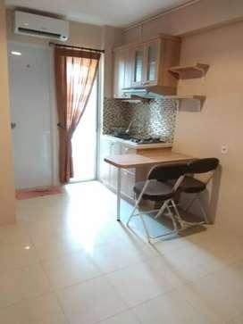 Dua kamar semi furnish lantai tinggi bassura city