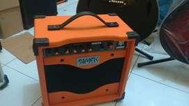 Ampli gitar khusus akustik elektrik