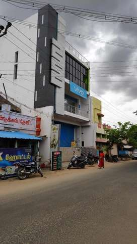 Commercial complex for rent located near bus stand