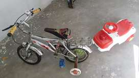To sale bicycle nd baby car
