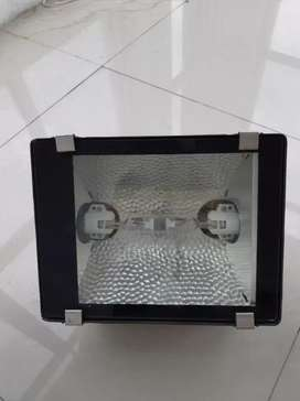 Lampu sorot putih 100 watt (total stock 4 pcs)