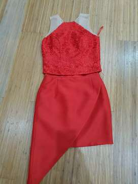 Leah top in res with Assymetric skirt in red