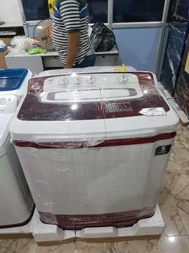 》BRAND NEW Semi-Automatic Samsung Washing Machine