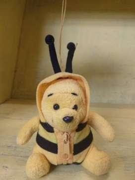 Gantungan Kunci Winnie the Pooh Kostum Lebah Disney Ori