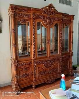 Almari hias pajangan 4 pintu motif ukir mpb ful kayu jati.