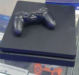 Ps4, ps3, xbox console, controller and games