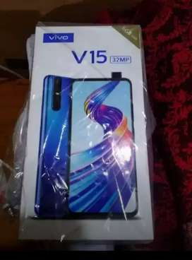 I am selling my vivo v15 mobile phone with accessorieses