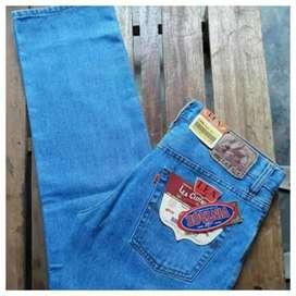 Jeans standar panjang