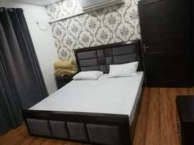 F 6 _ Room available per day Weekly monthly for rent