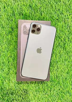 iPhone 11 pro max - 64 GB - green color - 100% condition- full kit