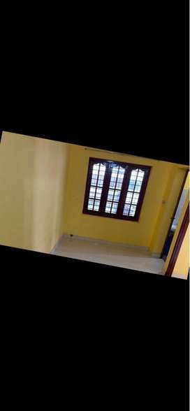 Beautiful Furnished Studio flat for Male executives only Tripunithura