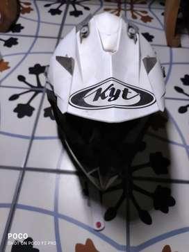 Helm motocross KYT