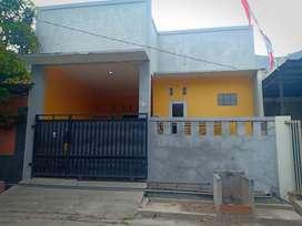 Disewakan Rumah di Vila Mutiara Gading 1 (Dekat harapan indah)