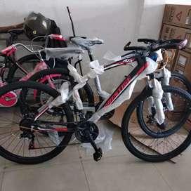 Kami menjual sepeda baru mtb PRESTIGE ukurannya 27,5