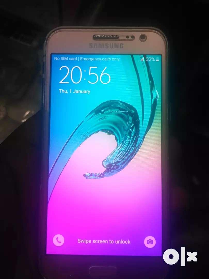 Samsung j2 full condition original display & battery 0