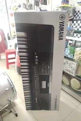 Yamaha Psr Ew410 + stand + usb