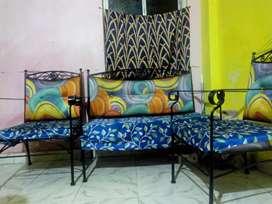 Sofa 4 setters