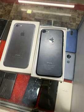 iPhone 7(32GB) Matt Black 1 Year Old