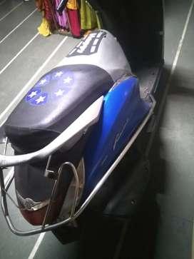 Yamaha fascino     no barging  .. no faltu offar