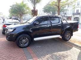 Toyota Hilux V 4x4 Autometic (ISTIMEWA)