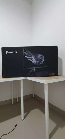 Aorus CV27F curved gamming monitor
