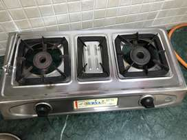 1 yrs old 2 burner Gas Stove (Family used)