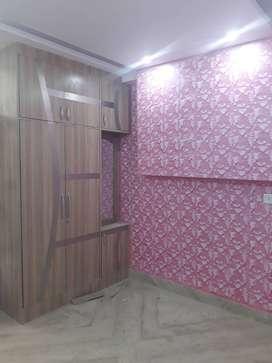 2bhk floor amazing locaton in uttam nagar west
