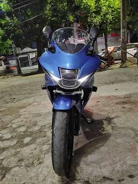Suzuki GSX 150R biru mulus
