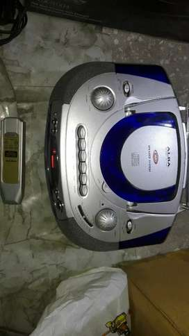 Audio CD Player with Caset Tape & Radio