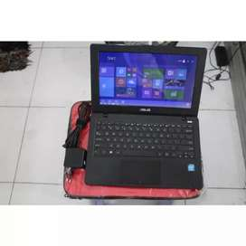 Laptop kecil asus normal