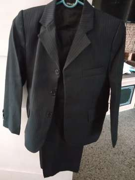 Brand new suit 5-8 yrs