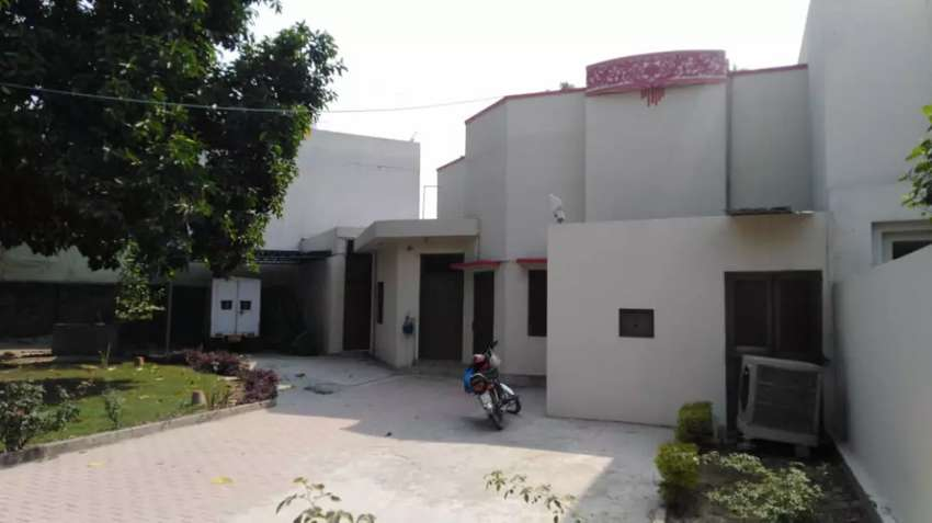 Model town old house for rent 0