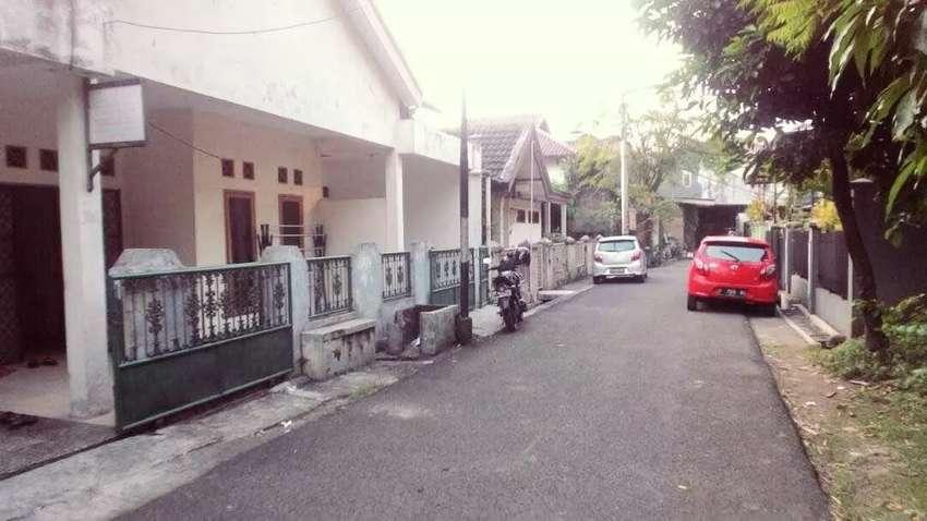 Rumah dlm komplek Pasar Minggu Jatipadang Lt.250mtr 2,2m 0