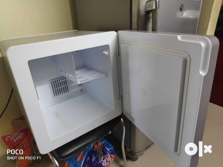 Godrej mini fridge 0