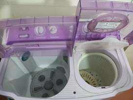 LG 7.2 KG Semi Automatic Washing machine in new top condition