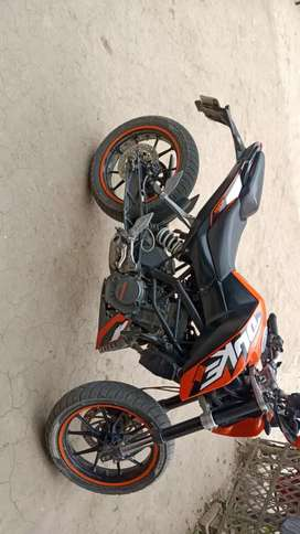 ktm duke 200 selling or exchange with rs200 r15v3