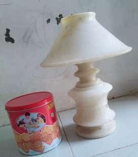 Lampu hias marmer