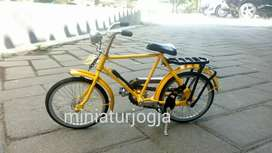 Koleksi miniatur sepeda Jawa sepeda Kumbang Demes sepeda onthel