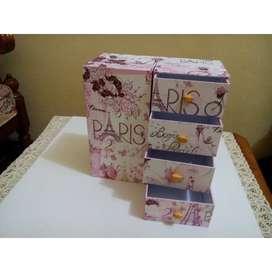 Kotak laci handmade Paris buka tutup