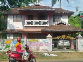 thrissur vadanapilly main road  8 cent stylish plot and old house