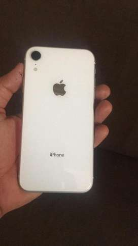I phone xr white 64 gb