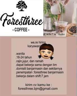 karyawan jaga cafe