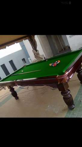 Pool table with complete accessories stick ball set lamp shed 40,000
