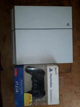 Play staion 4 500 GB Very gud condition