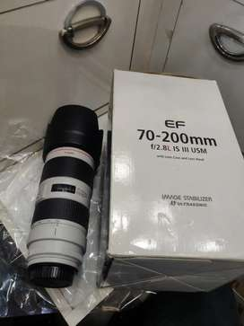 Canon 70-200 lens IS3 series lens 99% new condition with box bag hood