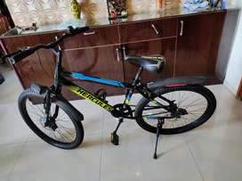 Hercules Streetcat PRO 3.0 Bicycle: 26 inch size